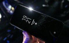 """Kiek """"Samsung"""" uždirba pardavusi vieną """"Galaxy S8""""?"""