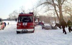 Ugniagesiai Biržuose iš upės ištraukė tris suaugusius ir mergaitę