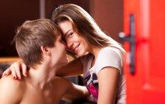 Merginos renkasi nesaugų seksą