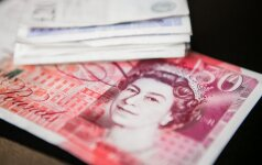 Svaro sterlingų vertė – aukščiausia per pastarąsias tris savaites
