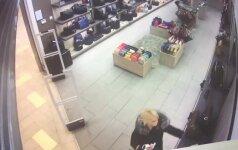 Apvogtos parduotuvės geranoriškumas nepadėjo: nufilmuota moteris susimokėti negrįžo