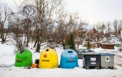 Daliai vilniečių kalėdines eglutes leista palikti prie konteinerių