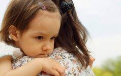 Sukėlė pasipiktinimo audrą: politikai kirto našlėms ir vienišoms mamoms?