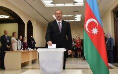 Azerbaidžanas balsuoja referendume dėl didesnių prezidento galių