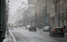 Kelininkai įspėja – eismo sąlygas sunkina plikledis