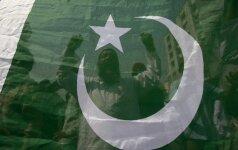 Pakistane užsiliepsnojus benzinvežiui žuvo 123 žmonės