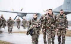 Estijos kariai keliasi į palapines, kareivines užleidžia NATO sąjungininkams