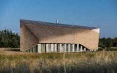 Baltijos jūros pakrantėje – geriausia lietuvių sukurta vila
