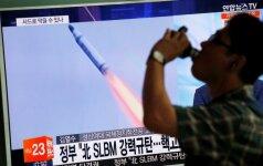 """Šiaurės Korėja raketos bandymą vadina """"didžiausia sėkme"""