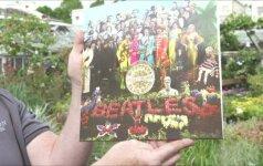 """Iš gėlių atkurtas legendinio """"The Beatles"""" albumo viršelis"""
