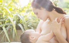 Kavinėje kabo skelbimas, kviečiantis mamas užsukti žindyti