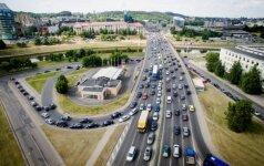 Prieš šventinį ilgąjį savaitgalį – spūstys Lietuvos keliuose