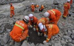 Nuošliauža Kinijoje: gelbėtojams liepta evakuotis