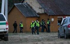 Į pagalbą policijai, ieškant įtariamojo šeimos žudiko, atvyko pasieniečiai ir VST
