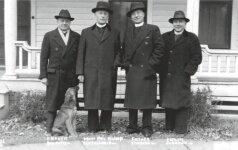 Teofilijus, JAV, 1936. Šuo prie vyskupo kojų