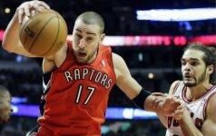 """Puikus J. Valančiūno žaidimas padėjo """"Raptors"""" svečiuose sutriuškinti """"Bulls"""""""