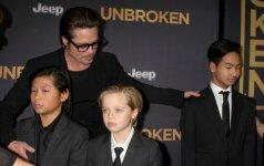 Bradas Pittas su vaikais