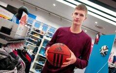 Jaunasis krepšininkas R. Miniotas specialistus žavi profesionalumu aikštėje ir drausme už jos ribų