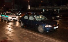 Vilniuje stipriai sužalotas per gatvę bėgęs paauglys