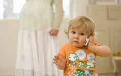 NUOMONĖ: motinystės atostogos Lietuvoje – per ilgos ar per trumpos?