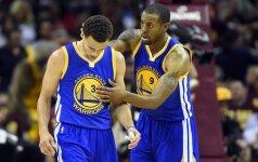 """Atkaklus NBA finalas: """"Golden State Warriors"""" svečiuose išlygino serijos rezultatą"""