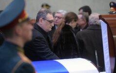 Maskvoje atsisveikinama su Rusijos ambasadoriumi V. Čiurkinu