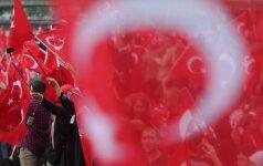 Turkijoje netikėtai atsistatydino vidaus reikalų ministras