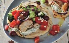 Receptas, kuris įkvėps keliauti: graikiškas vištienos souvlaki