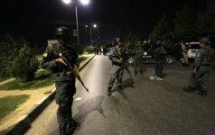 Ataka prieš Amerikos universitetą Kabule: nužudyta 12 žmonių, šimtai išgelbėta, o užpuolikai – nukauti