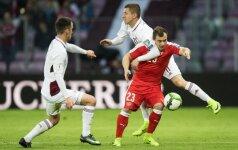 Latvių gynėjai stabdo Xherdaną Shaqiri