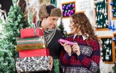 Kalėdinių dovanų prietarai: kas neša sėkmę, o ko geriau vengti?