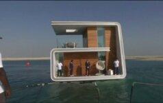 Dubajuje statomas plūduriuojančių namų kvartalas
