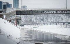 Vilniuje patvinusi Neris: gyventojams nerimauti nereikėtų