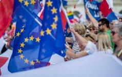 Lenkijos Seimas priėmė kontroversišką įstatymo pataisą