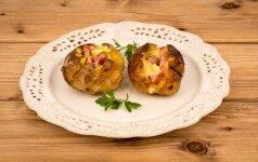 Orkaitėje keptos bulvės su siurprizu
