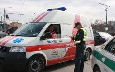 Vilniuje karys sukėlė avariją, du žmonės sužaloti