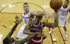 Pražangų prisirinkęs D. Motiejūnas nesužibėjo prieš NBA autsaiderius