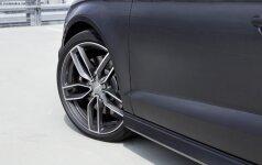 """""""Audi S3"""" grobikas partrenkė ir mirtinai sužalojo jį sustabdyti bandžiusį automobilio savininką"""