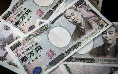 Jenos kursas smuko JAV dolerio atžvilgiu, rinkų dėmesio centre – FED pareigūnų komentarai