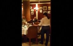 Pasirodė vaizdo įrašas, kaip buvo užpultas Rusijos opozicionierius M. Kasjanovas