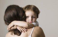 Psichologė: kiek kartų reikia apkabinti vaiką, kad jis augtų laimingas