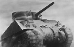 Po 71 metų: Iš Barenco jūros dugno ištrauktas nacius turėjęs mušti tankas