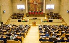 Gedimas Seimo salėje buvo sutrikdęs parlamento posėdį