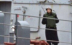 """Lenkų gynybos ministras: Egiptas pardavė Rusijai """"Mistral"""" laivus už 1 dolerį"""