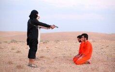"""""""Islamo valstybės"""" vaizdo įraše – berniukas iš Didžiosios Britanijos"""