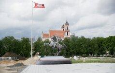 Bus paskelbtos atrinktos idėjos Lukiškių aikštės memorialui