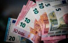 Po Italijos referendumo žymiai smuko euro kursas