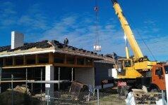 Darau Pats: dengiame stogą čerpėmis ir ruošiame fasadą