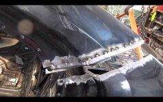 Kaip smarkiai daužtas prabangus BMW garaže pavirto sveikutėliu automobiliu