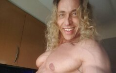 Karščiausias Rusijos vyras: kosmoso užkariavimą iškeitė į striptizą